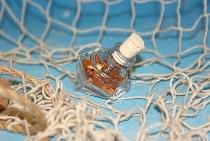 Flasche mit Bernstein gefüllt Flakon ca.5x4,5cm
