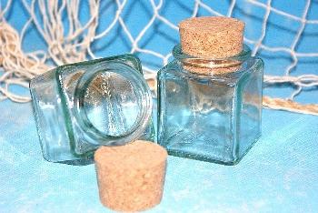 Leere eckige Flasche ca.6x4x4cm Glas