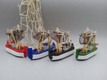 Fischkutter mit Netz, ca. 8 cm Holz