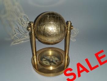 Globus mit Kompass ca. 10 cm Messing